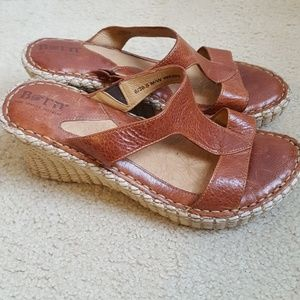 BORN 6 M whiskey brown leather jute wedges sandals